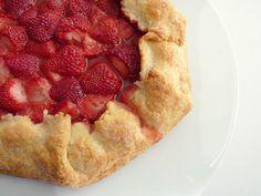 :pastry studio: Strawberry Galette
