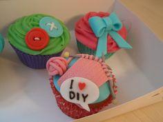 Cupcakefabrikken: marts 2012 sløjfer