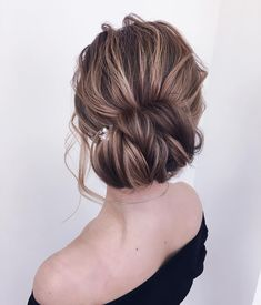 Just like for all brides, when the big day is approaching,many decisions have to be made. Wedding hair is a major part of what gives you good looks. These incredible romantic wedding updo hairstyles are seriously stunning,braided updo hairstyles,messy updo hairstyles