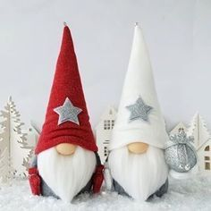 Christmas Gnome, Diy Christmas Gifts, Christmas Projects, Handmade Christmas, Christmas Decorations, Christmas Ornaments, Scandinavian Christmas, Holiday Crafts, Hair Roots