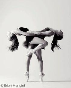 ballet is beautiful Ballet Poses, Dance Poses, Ballet Dancers, Ballerinas, Dance Like No One Is Watching, Just Dance, Modern Dance, Ballerina Doll, Dance Movement