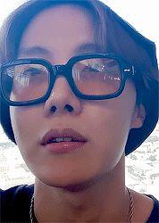 I'm sorry yoongi. I might have to betray you for this one. Jhope, Namjoon, Taehyung, Jimin, Bts Bangtan Boy, Seokjin, J Hope Smile, J Hope Gif, Bts J Hope