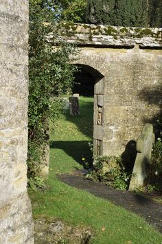 To the cemetery at the church in Chipping Campden, England