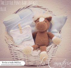 Hermosa canasta de regalo para niño recién nacido con Jerónimo, nuestro pony tejido a mano y muchas sorpres mas! Entrega a todo México