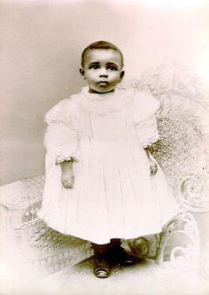 Marian Anderson 1898, Philadelphia, Pennsylvania Photographer: Strawbridge & Clothier Photographic Studios