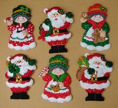 Juego Porta Cubiertos - Bordados Oma Felt Christmas Ornaments, Christmas Wood, Handmade Christmas, Christmas Stockings, Christmas Crafts, Felt Decorations, Christmas Decorations To Make, Christmas Themes, Christmas Holidays