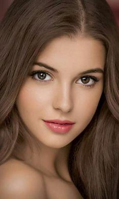 Most Beautiful Faces, Stunning Eyes, Beautiful Lips, Beautiful Girl Image, Beautiful Muslim Women, Gorgeous Women, Tree Woman, Cute Young Girl, Beautiful Blonde Girl