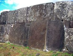 Ahu Vinapu - perfectly fitted basalt slabs. - The most impressive part of one of ahus (Ahu Tahiri) is the base of it - it is made of enormous (average weight - 7 tons), perfectly fitted basalt slabs made in different way than other ahus on island. This belongs to one of impressive achievements of megalithic cultures worldwide and poses a puzzle to archaeologists who sometimes (if looking superficially) suppose that this ahu has been influenced by Inca architecture.