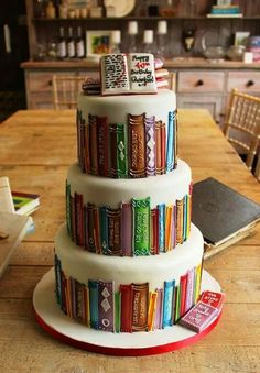 Library cake. If husband and I renew our vows/have an anniversary party, I want a cake like this!