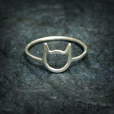 Hoi! Ik heb een geweldige listing gevonden op Etsy https://www.etsy.com/nl/listing/99909616/cat-ring-handmade-sterling-silver-925