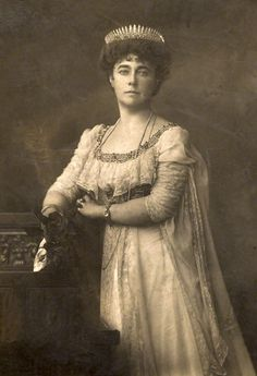 A diamond belle epoque tiara, 1910, worn by Baroness Gerard. The diamond fringe tiara, a staple of many a jewel box, especially as many could also be worn as a necklace.
