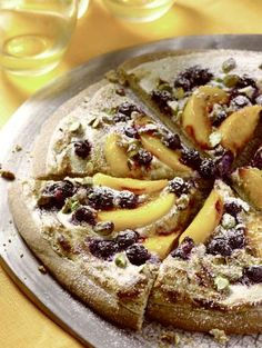 How to make a Peach and Blueberry (Dessert) Pizza from summer's best produce!