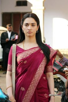 Tamanna Bhatia Bollywood actress Beautiful Saree, Beautiful One, Beautiful People, Tammana Bhatia, South Actress, Bollywood Actors, Pretty Face, Indian Beauty, Indian Actresses