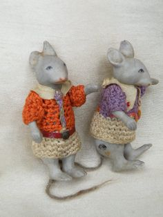 VERY RARE Pair of Miniature Jointed all Bisque Mice By Hertwig