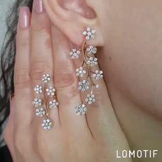 Diamond Flower, Diamond Earrings, Flowers, Jewelry, Fashion, Moda, Jewlery, Jewerly, Fashion Styles
