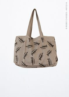 Trumpet Tote | at Darling Clementine