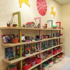 Ludoteca. Mobiliario. Decoración Interior Design. Mexico. Interiorismo. Colores. Repisas. juguetes.