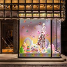 "HERMES, Ginza, Tokyo, Japan, ""Somewhere over the rainbow skies are blue and the dreams that you dare to dream really do come true"", photo by Ronny De Vylder, pinned by Ton van der Veer"