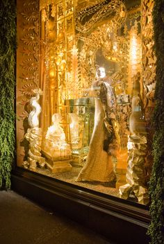 Christmas windows!  My favorite, by far, was Bergdorf Goodman's ...  designfindfashion.blogspot.com