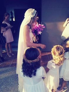 Veil and flowers girls <3