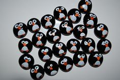 penguin counters- check the blog for many math ideas!!- Daily  5 Activities too! haha they r so cute! @Missy Rich I want make them into fridge magnets.  :)