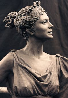 Hofstra University in Long Island, New York, commissioned four life size  bronze figure sculptures of four Greek Muses: Muse of Tragedy,Muse of Comedy,Muse of Music, and Muse of Dance.