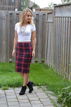 5 STYLE TIPS FOR PLAID SKIRTS. Fall plaid skirt with booties.   Nelle Creations