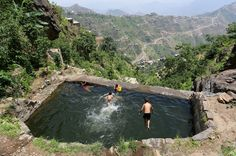 fotojournalismus:  Boys swim in a pond in the Yemeni mountains on June 2 2016. (Abduljabbar Zeyad/Reuters)   from  The REZs EDGE - Destruction & Redemption by author/writer Brad Jensen  FULL CHAPTERs PRE-RELEASED (Read 4 Free - click link here) http://bradjensen.wix.com/authorbradjensen  Please REBLOG/SHARE if you dig it Thanks Folks!  Watch for the Book release date here: http://authorbradjensen.tumblr.com/ or here: http://www.facebook.com/bradjensenauthor/ or here…