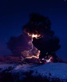 危險美麗又驚人的火山奇景