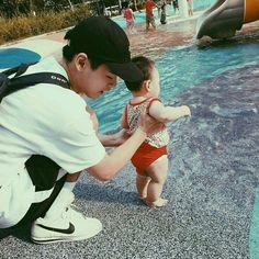 Cute Asian Babies, Korean Babies, Asian Kids, Cute Babies, Cute Family, Baby Family, Family Goals, Family Kids, Father And Baby