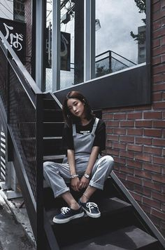 Korean street style Discover where to buy the best from Korean fashion (in the U.) - The Klog: K- Mode Ulzzang, Korean Fashion Ulzzang, Korean Fashion Trends, Korean Street Fashion, Korea Fashion, Ulzzang Girl, Asian Fashion, Girl Fashion, India Fashion