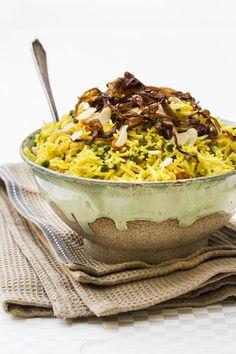 פילאף נבראטן: אורז הודי חגיגי Vegan Rosh Hashana, Soul Food, Acai Bowl, Camembert Cheese, Side Dishes, Dinner, Breakfast, Recipes, Acai Berry Bowl