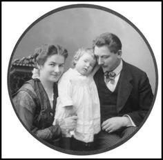 Ingrid Bergman with her parents, Friedel and Justus Bergman.