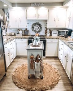 If Modern Farmhouse is your thing, this kitchen will give you all the inspiration. Farmhouse Style Kitchen, Modern Farmhouse Kitchens, Kitchen Redo, Home Decor Kitchen, New Kitchen, Home Kitchens, Kitchen Remodel, Kitchen Dining, Kitchen Ideas