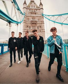 Why Don't We << ZACH'S JEANS GIVE ME FEELS.