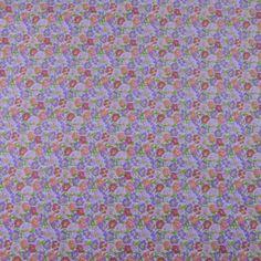 Tissu vendu en coupon de 3 mètres, en coton imprimé fleurs mauves sur fond blanc. Très léger et souple, idéal pour réaliser robes, jupes, vêtements pour enfants etc.