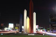 Torres de Satélite, un símbolo de modernidad y progreso.