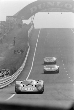 24h Le Mans, Le Mans 24, David Hobbs, Automotive Engineering, Motor Speed, Ford Gt40, Vintage Racing, Auto Racing, Diorama