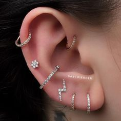 Piercing Helix: Does it hurt? Look at the opinion of who has! dicas helix o. - Jewellry - Piercing Helix: Does it hurt? Look at the opinion of who has! Piercing Helix: Does it hurt? Look at the opinion of who has! Pretty Ear Piercings, Ear Peircings, Types Of Ear Piercings, Multiple Ear Piercings, Crystal Earrings, Diamond Earrings, Stud Earrings, Unique Earrings, Diamond Studs