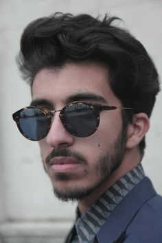 Toni & Guy - Men's Hairstyles Trends for 2013 - Men Style Fashion Sunglasses Outlet, Mens Sunglasses, Toni And Guy, Ray Ban Glasses, Simple Outfits, Face Shapes, Stylish Men, Mens Suits, Hair Trends