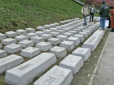 The Russian artist Anatoly Vyatkin of a huge concrete copy of a keyboard. In order to make this Cyrillic keyboard IBM he needed. 86 concrete blocks Officially, the name of the artwork the Keyboard Monument, but local residents have given it the nickname Claudia. Keyboard Claudia can be seen in the city of Yekaterinburg.