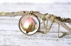La lumière véritable Rosebud rose pendentif Couronne  par Resity