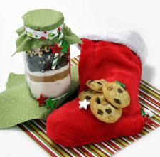Chocolate chunk cookie mix in a jar  The Cookie Jar Gift you make and give—a sweet gift idea for friends and co-workers that's so simple to make!