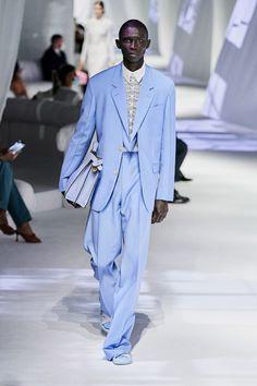 Fendi Spring-Summer 2021 - Milan Fashion Week Fashion Photo, Love Fashion, Fashion Beauty, Fashion Hub, Fendi, Fashion 2020, Runway Fashion, Mens Fashion, Fashion Weeks