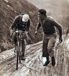 TDF 1932 climbing on the Aubisque.