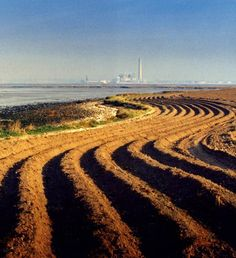 Furrows at Motney Hill, Lower Rainham, Kent Across the Medway Estuary is the controversial power station at Kingsnorth, on the Hoo Peninsular. Rochester Cathedral, Rochester Castle, Country Farm, Country Roads, Pictures Of England, Kent County, Farm Pictures, Gillingham, Homeland