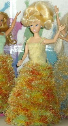 robe pour aller danser Haut colorie jaune  pour poupée mannequin style Barbie 29 cm ou similaire