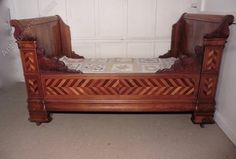 French Walnut Sleigh Bed Or Empire Style Day Bed - Antiques Atlas