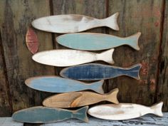 Set of 3 Rustic Distressed Wood Fish Art Wall Hanging Signs Hanging Signs, Hanging Wall Art, Fish Artwork, Artwork Wall, Dragonfly Images, Slab Ceramics, Driftwood Projects, Wood Fish, Beach Crafts