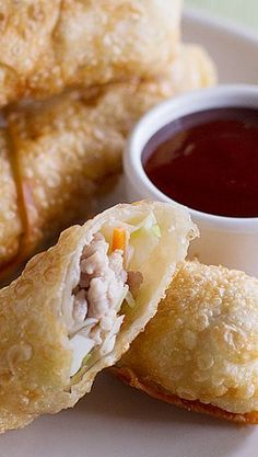 Classic egg rolls recipe from recipegirl appetizers and looking for a go to egg roll recipe this easy egg roll recipe is simple and will rival the egg rolls from your local take out restaurant forumfinder Choice Image